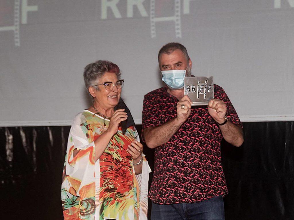Max Lemke recogiendo el premi o en Denia como Mejor Director de Cortometraje por su película -B est Seller-(C) Jordi Dominguis.